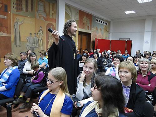 Священник Александр Овчинников рассказал о творчестве Пушкина и Цоя.