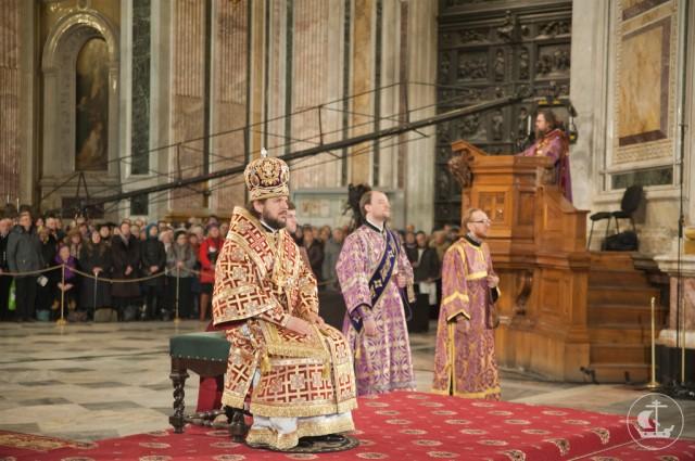 Вчера еп. Петергофский Амвросий возглавил служение миссионерской Божественной литургии.