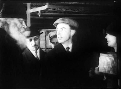 """Антонин Грановский """"помогает голодающим"""". """"Кино-Правда"""", 1922 г."""