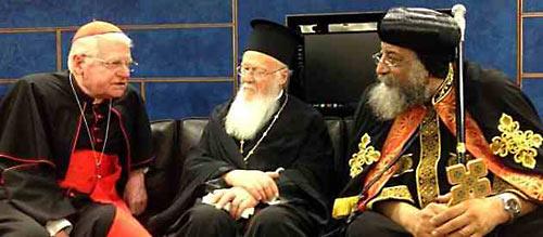 Кардинал Скола, Патриарх Константинопольский Варфоломей и коптский патриарх Феодор на торжествах в Милане по случаю 1700-летия Миланского эдикта. 16 мая 2013 года