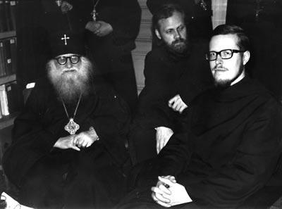 архиеп. Василий Кривошеин с монахами из Шеветоньского монастыря. Брюссель, 1970 г.