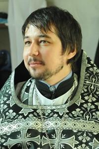 О. Димитрий Агеев выступает с оправданием молитвы за самоубийц