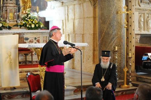 Марин Баришич и Патриарх в католическом соборе св. Дуйма.