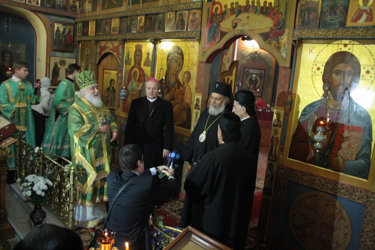 кардинал Бешара Бутрос ар-Раи в храме прп. Марона в Старых Панех