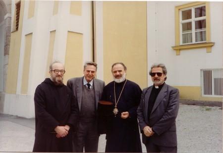 Совещание в Баламанде, 1993 г. Слева направо: Ланн, Эммануэль, историк Витторио Пери, архиеп. Стилиан Австралийский, униат Димитриос Салахас
