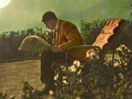 Гитлер за чтением