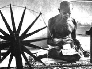 Мохандас Ганди, идеолог ненасилия.