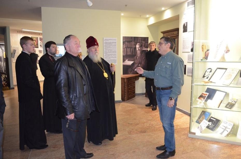 Митрополит Ириней посетил синагогу «Золотая Роза»
