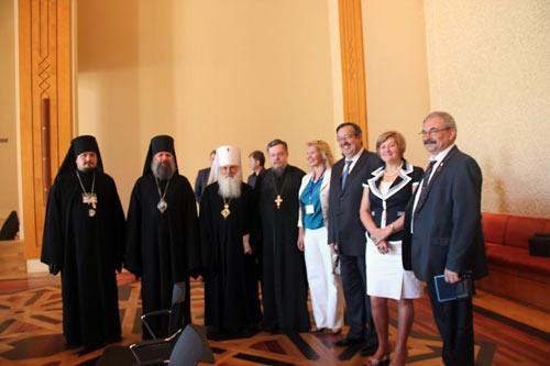 Православные участники в исмаилитском центре.