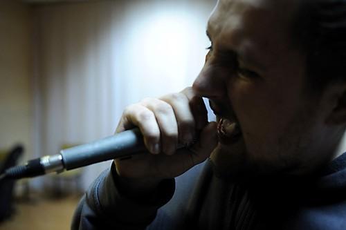 Фронтмен группы Sihem, дьякон Александр Колосов, сочиняет и поет православный дэткор