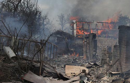 Удар украинской авиации по селу Старая Кондрашовка в Луганской области. 2 июля 2014 года