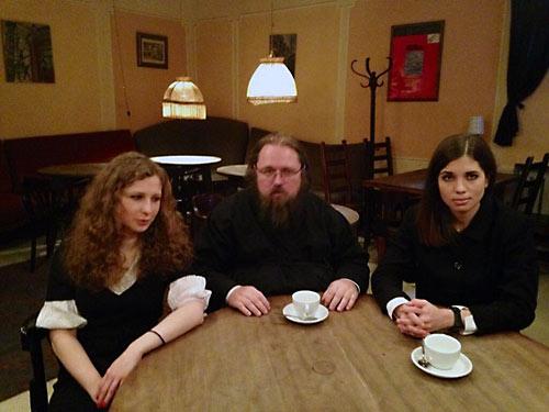 """Кураев, Алехина, Толоконникова... Группа """"Война против Церкви"""" в сборе"""