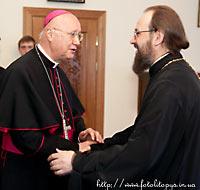 митр. Бориспольский Антоний с католическим архиепископом Клаудио Мария Челли
