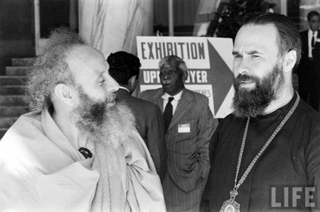 Митр. Антоний (справа) на генеральной ассамблее Всемирного совета церквей в Нью-Дели. 1961 г.