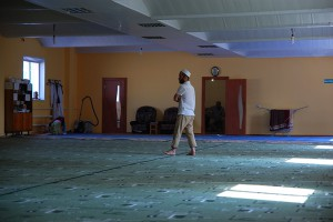 """Мир и созидание"". Имам Файзулла Исмаилов в мечети."