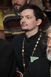 О. Усатов на сектантской конференции «Традиция святоотеческой катехизации» в 2012 г.