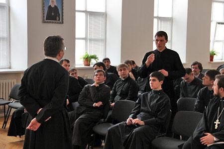 Ксендз Важиньски выступил в православной семинарии