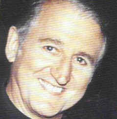 Разоблаченный педофил католический священник Джон Пауэлл.