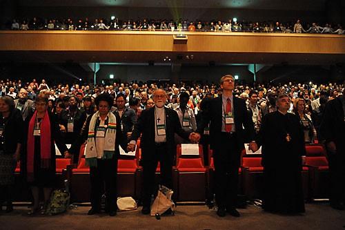 В Пусане выбран Центральный комитет Всемирного совета церквей.