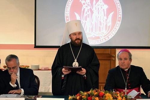 Глава католической секты стал доктором Общецерковной аспирантуры