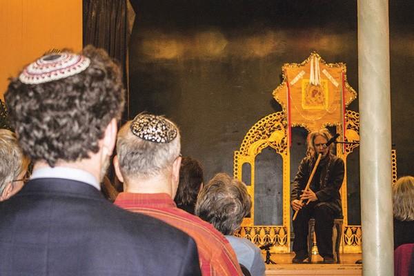 Покровскую церковь в Нью-Йорке осквернили синкретизмом