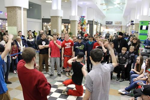 http://antimodern.ru/wp-content/uploads/smolensk_dance02.jpg