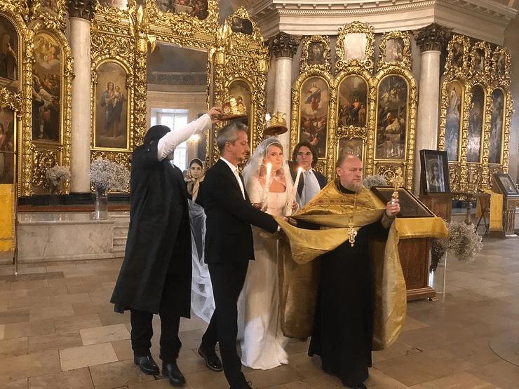 О венчании Ксении Собчак и Константина Богомолова