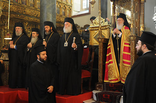 "Патриарх Феодор II на совещании ""неопентархии"". Стамбул, 2011 г."