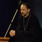 Священник Печуркин в хоре вайшнавов-пятидесятников