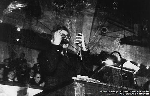 """Троцкий выступает в Копенгагене 27 ноября 1932 г. с речью об Октябрьском перевороте (речь """"В защиту Октября"""")"""